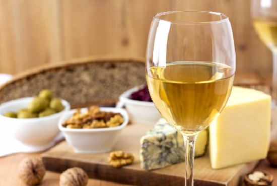 white wine with cheese nuts